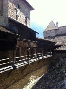 Particolare di uno dei cortili interni-Chillon